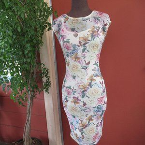 Bodycon Floral Short Sleeve Dress size Small